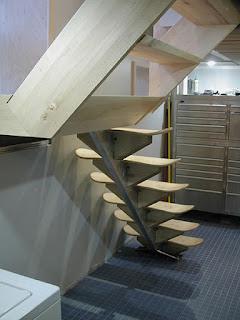 Escaleras fabricadas con tablas de skate