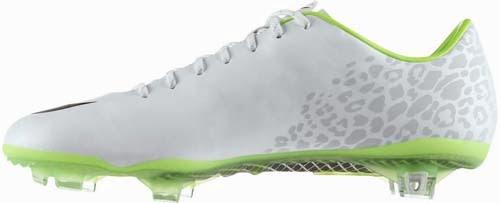 Cristiano Ronaldo new football boots nike mercurial vapor IX