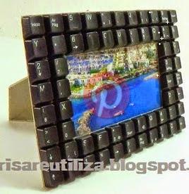 http://brisareutiliza.blogspot.com.es/2014/12/marco-de-fotos-con-teclados.html
