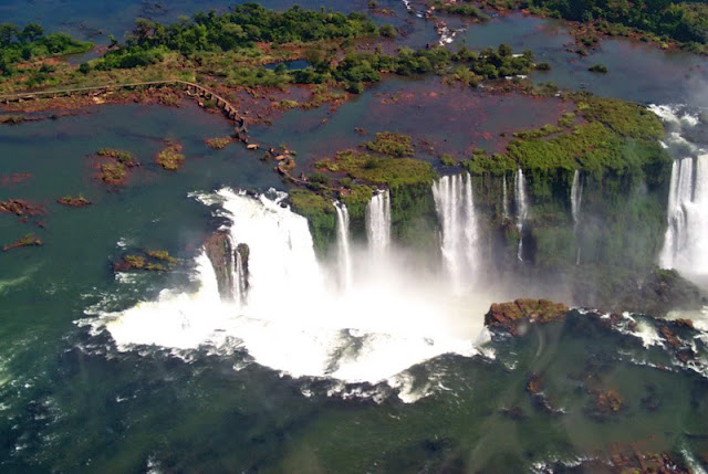 The Iguazu waterfalls in Argentina - Brazil