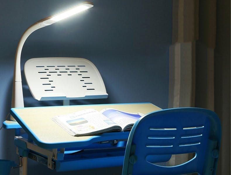 Kết quả hình ảnh cho đèn học cho bé