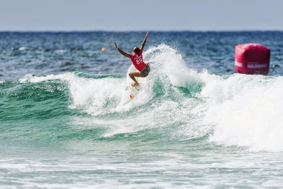 57 Roxy Pro Gold Coast 2015 Sally Fitzgibbons Foto WSL Kelly Cestari