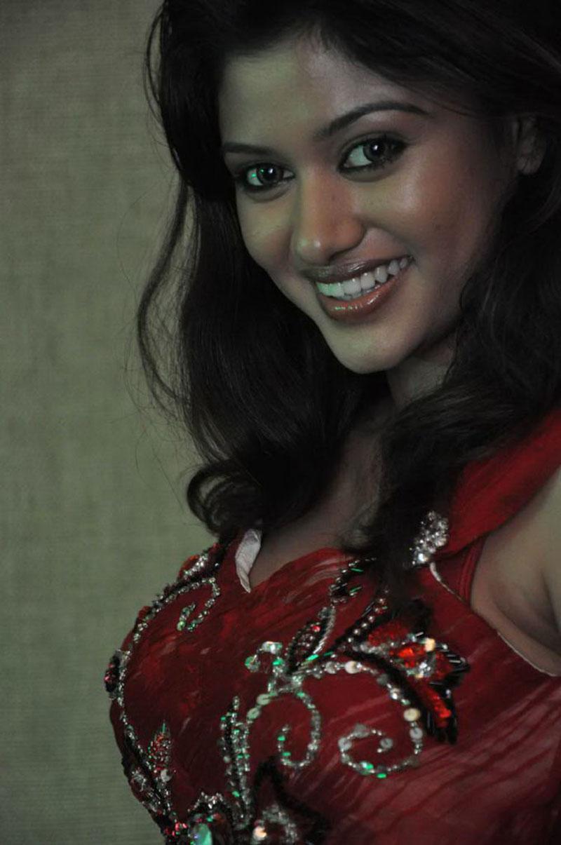 aunty mulai pundai kattum picture girl mallu aunty moviegalleri net ...
