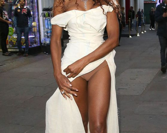 Pics Singer Sinitta Flashes Her Underwear As She Steps