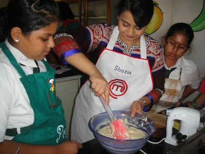 Shazia Khan giving cooking tips