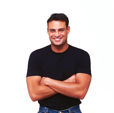 http://4.bp.blogspot.com/-Oi5tVrPmww4/UAa1Nws56UI/AAAAAAAAAJM/1YXXf93J-m8/s1600/Man+in+Black+t-Shirt.jpg