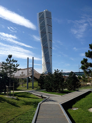 park in Vastra Hamnen with turning torso in the background