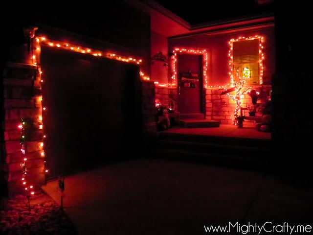 Halloween Front Porch - www.MightyCrafty.me
