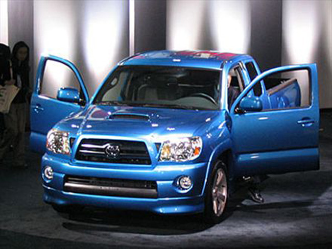 Toyota Tacoma Photos, Prices, Reviews, Specs