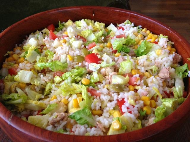 Recetas y sonrisas ensalada de arroz con atun tomate - Ensalada de arroz y atun ...