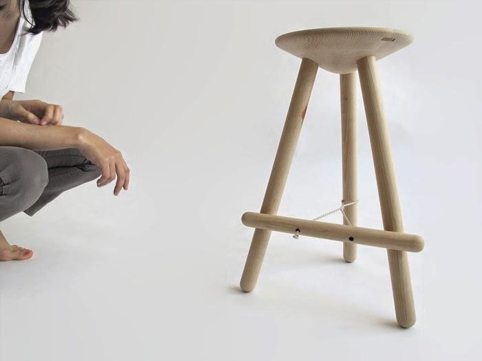 Martín Azúa  tubabu stool