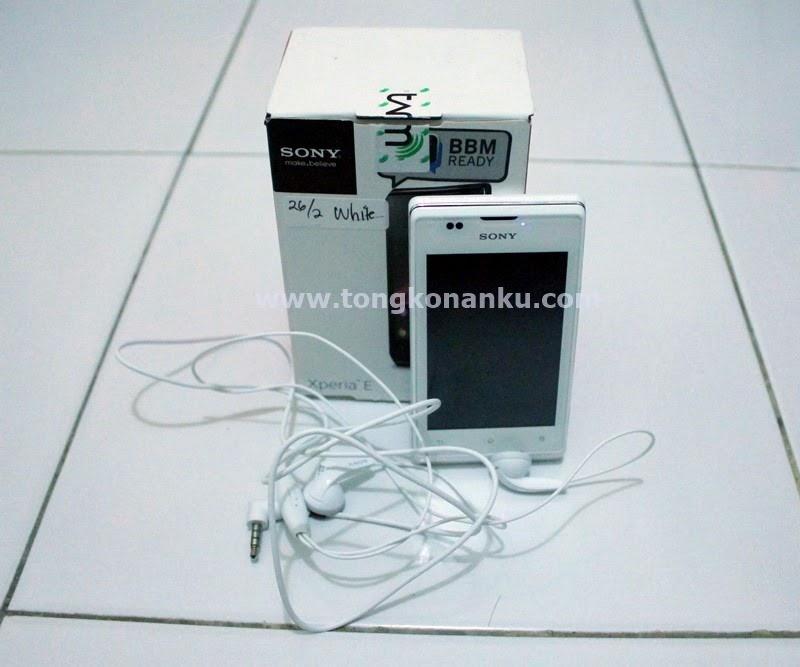 Sony Xperia E Warna Putih