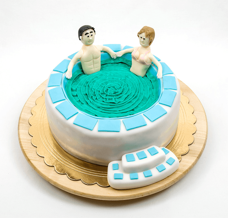 Jacuzzi fondant cake with man and woman in it