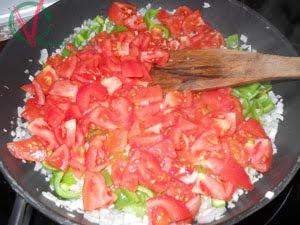 Pochar el tomate.