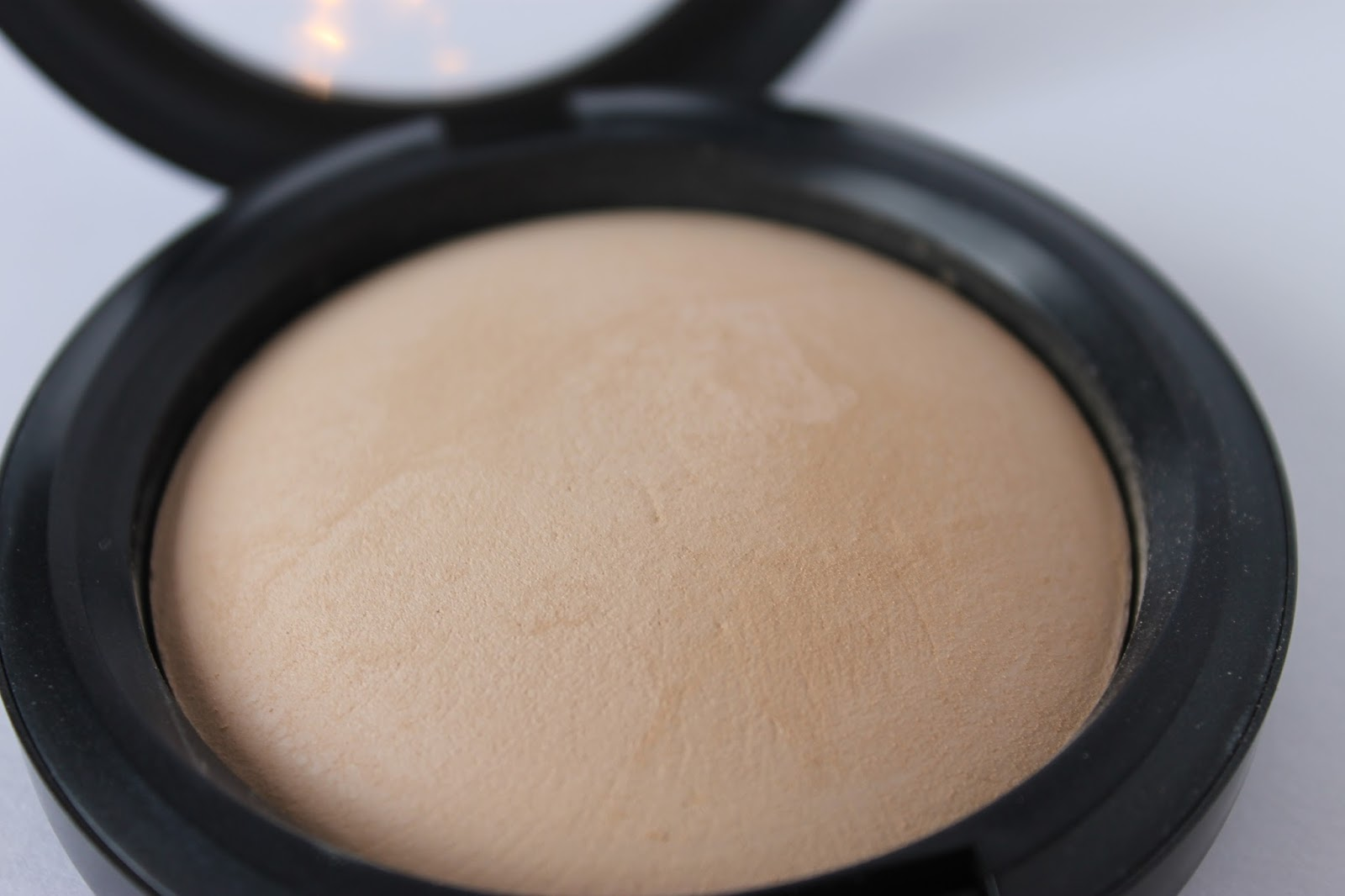 MAC Mineralize Skinfinish Natural Review