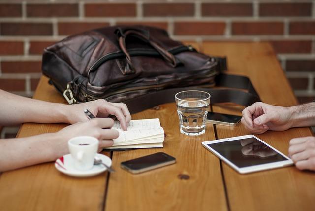 Berdiskusi Tentang Keuangan