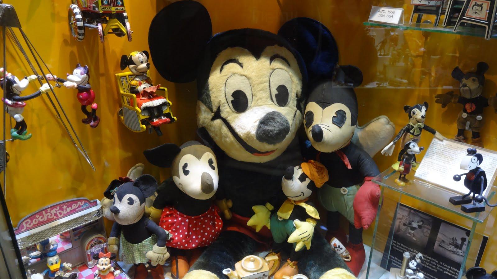İlk Mickey Mouse Oyuncağı Türkiye'de 60