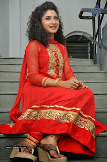 vishnu priya new hot photos