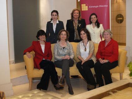 Mujeres al mando