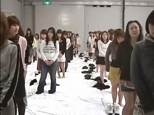 Hình ảnh làm tình tập thể của 500 người Nhật Bản