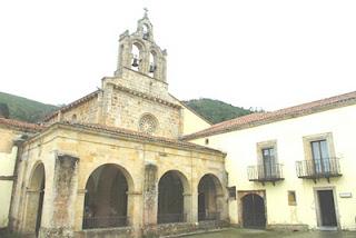 Villaviciosa, Valdediós, monasterio de Santa María, iglesia, pórtico