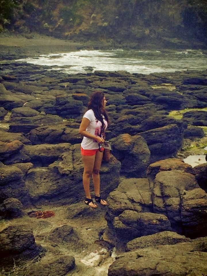 Anusha Rajapaksha beach