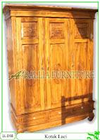 Lemari Pakaian Klender Kotak 3 Pintu