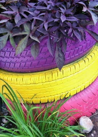 Sister see sister do painted tire planter - Painted tires for flowers ...