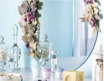 Espelho com Flores de Feltro - Dica de Artesanato e decoração