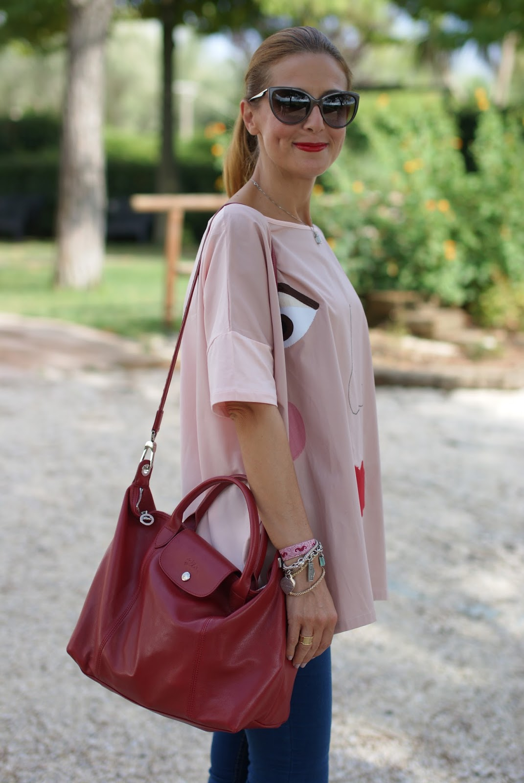 Rose a Pois blouse, adidas sneakers and Longchamp Le Pliage cuir bag on Fashion and Cookies fashion blog, fashion blogger style