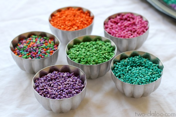 How to dye barley for sensory play