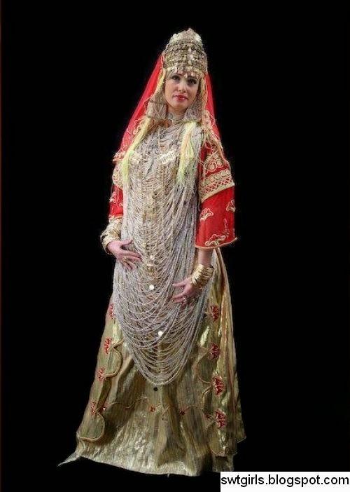 فستان سواري جزائري تقليدي