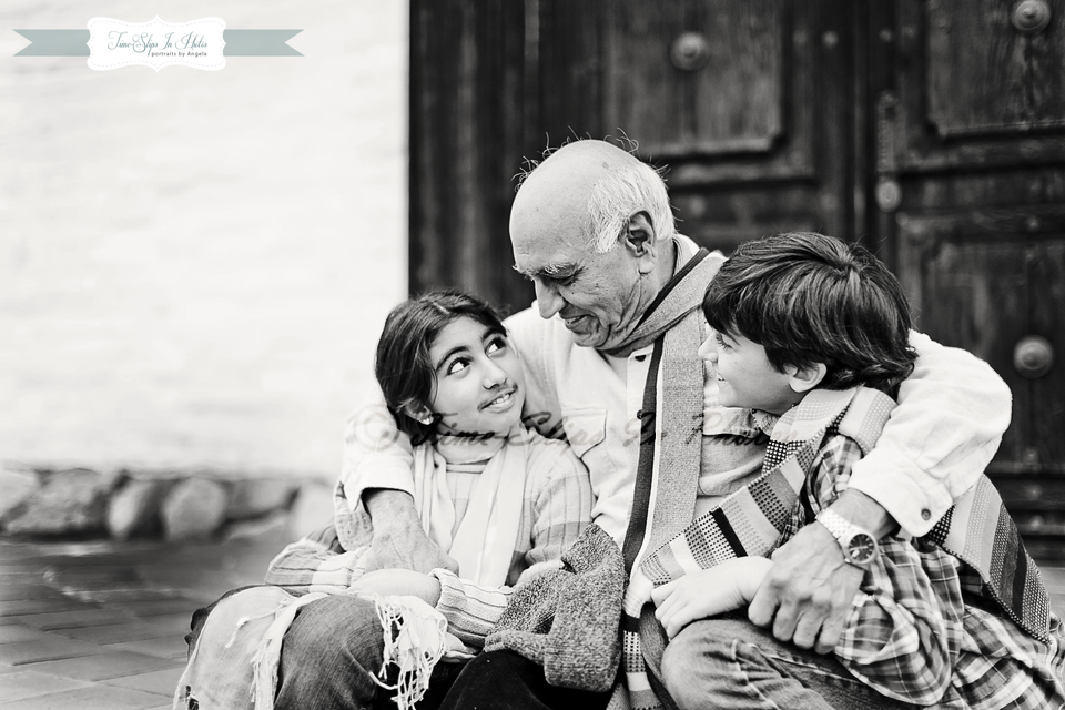 grandfather_with_grandkids