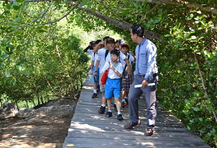 Kunjungan Sekolah CHIS Denpasar ke Balai Mangrove Bali