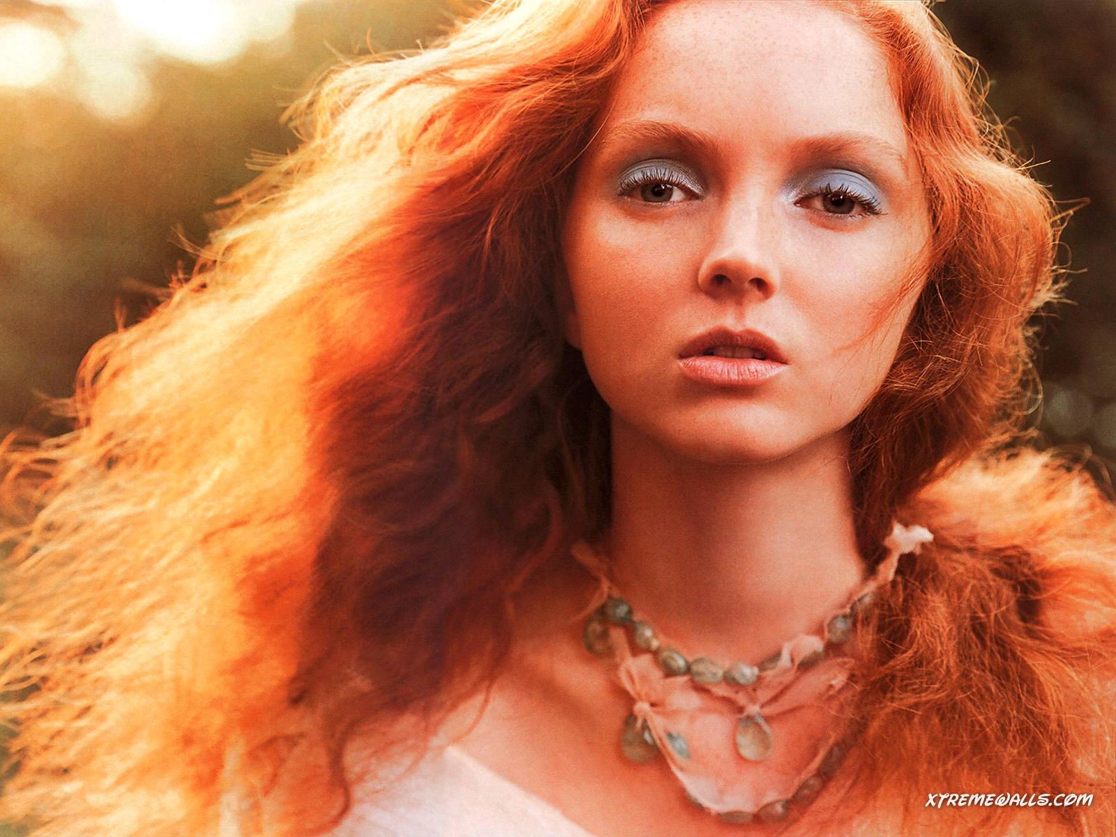 http://4.bp.blogspot.com/-Ol_LAwa332A/Tjo-tKRKtcI/AAAAAAAAAzE/zhpHlsL1K_4/s1600/Lily-Cole-Wallpaper.jpg