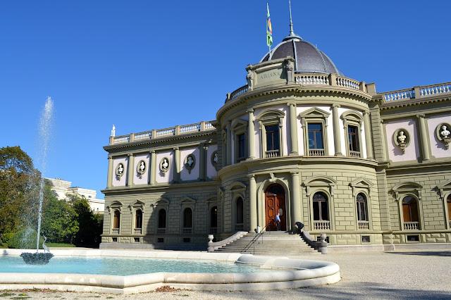 Museo Ariana de Cerámica y Cristal Ginebra Suiza