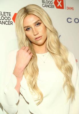 Los fans de Kesha planean protestar contra Sony Music