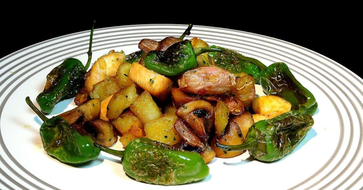 Cocinar para los amigos salteado de patatas pollo y for Cocinar para los amigos