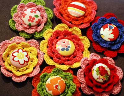 Crocheted Flower Pattern Pin