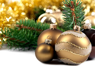 Free Download Christmas Decoration Wallpapers with Chrismas Balls Photo