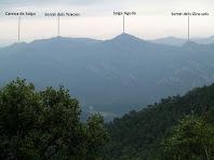 Panoràmica de la Serra de Picancel des de la pujada a la Plana del Castell