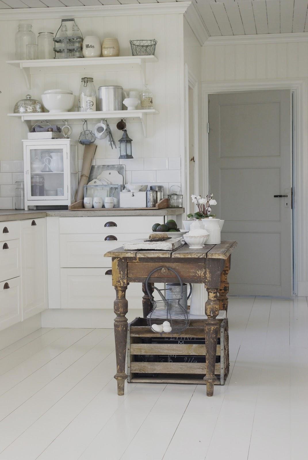 Vintage Keukeneiland: Bordet ?r gammalt o fyndat hos en.