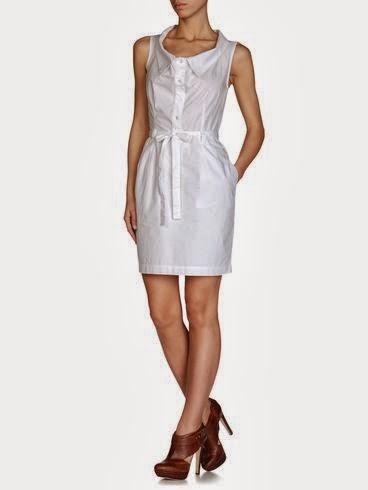 beyaz renk düğmeli elbise