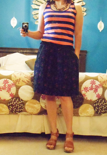 FLOWERED SKIRT, STRIPED SHIRT, REDOS, FLOWERS AND STRIPES, DIY SKIRT
