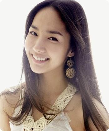 Foto Model Rambut Panjang Lurus Wanita Korea Terbaru 2014