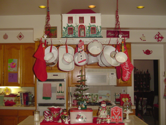 Red White Vintage Kitchen Christmas Ideas
