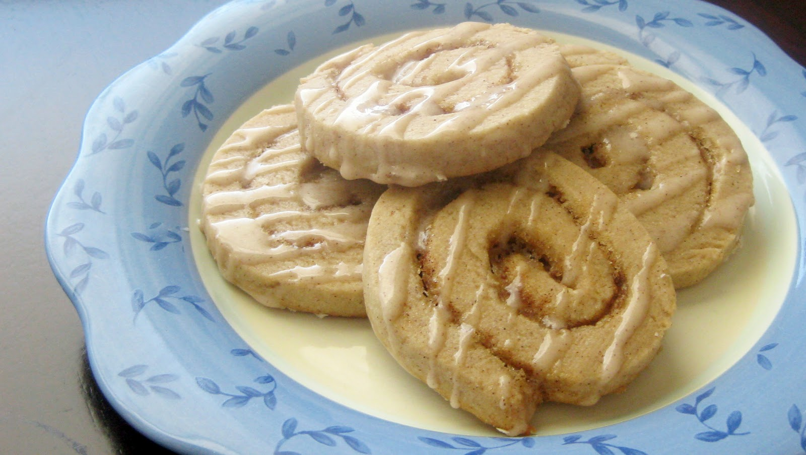 Holy Hannah's: Cinnamon Roll Cookies