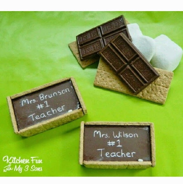 http://kitchenfunwithmy3sons.blogspot.com/2013/08/back-to-school-chalkboard-smores.html