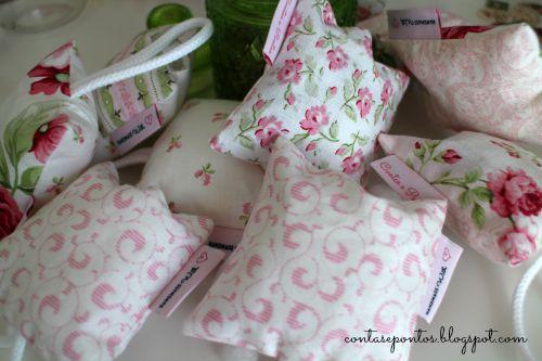 saquinhos de alfazema em tecido