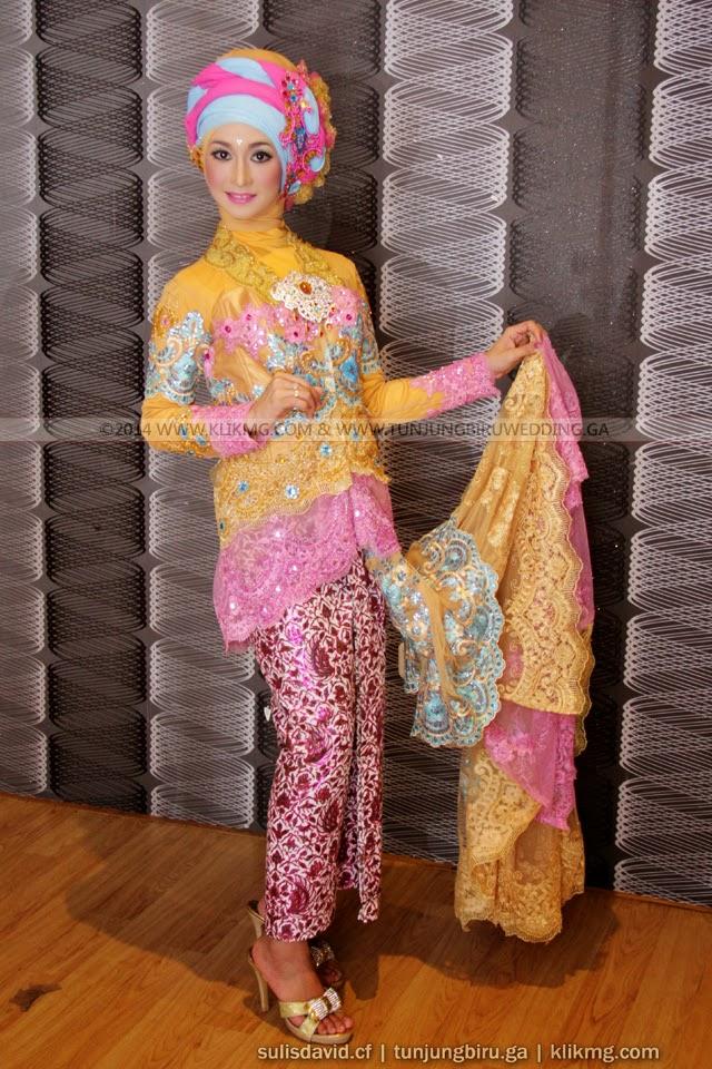 Kreasi Kebaya Hijab Kuning Anggun 2014-2015 Karya Tata Rias & Busana oleh Tunjungbiru.ga | Fotografer : Klikmg Fotografi